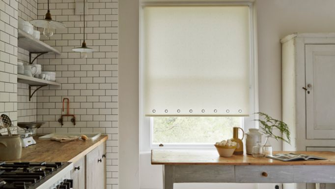 Sherbourne-Lemon-Roller-blind-with-eyelets
