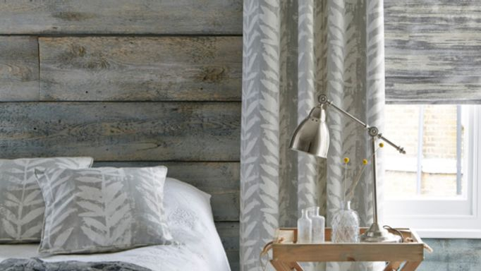 Indra-Dove-curtains-with-Riviera-Dusk-Roman-blind.