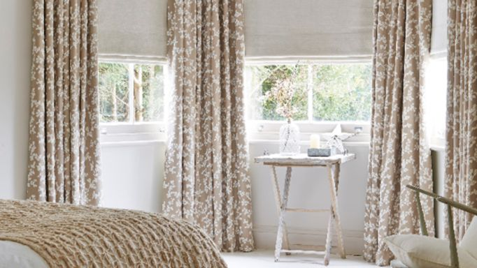 Bay-window-cream-curtains