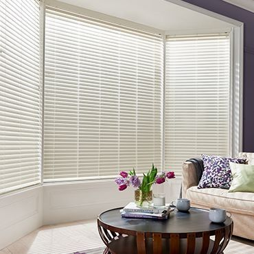Wooden Blinds_Wood Illusions Bone White_Roomset