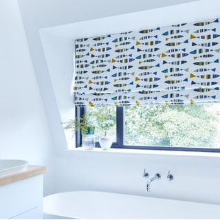 Roman blind Little Fish Marine Roomset