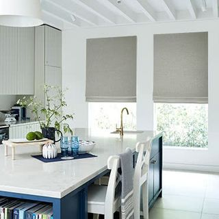 Roman-Blind_Lindora_Silver_Roomset