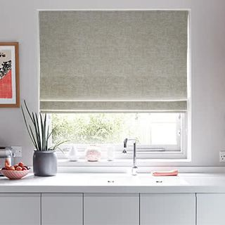 Roman_Blind_Emelie_Taupe_Roomset