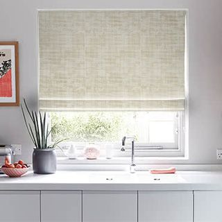 Roman_Blind_Fascination_Limestone_Roomset