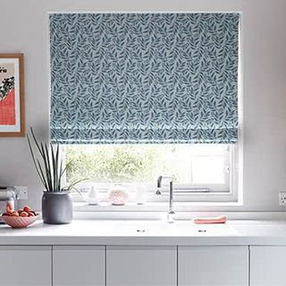 Roman_Blind_Folia_Blue_Roomset