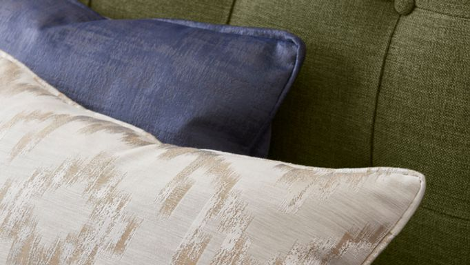 cushions-close-up-Fascination-Denim-and-Mindoro-Opal