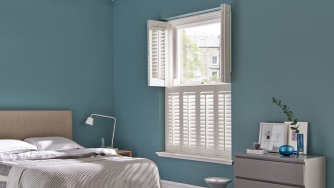 Windsor Bisque tier-on-tier Shutters