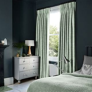 Curtains_Roomset_Allure-glacier