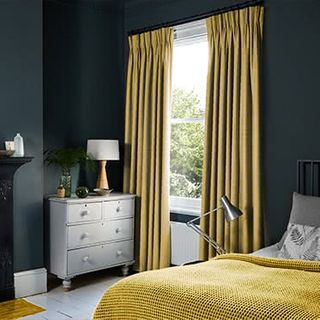 Curtains_Roomset_Fascination-ochre