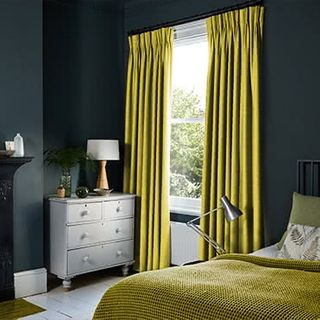 Curtains_Roomset_Lyon-sulphur