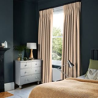 Curtains_Roomset_Tetbury-blush