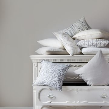 Cream cushion collection