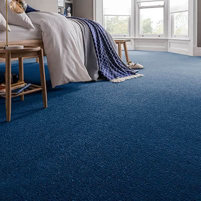 Blue-carpet-bedroom-spectrum-navy