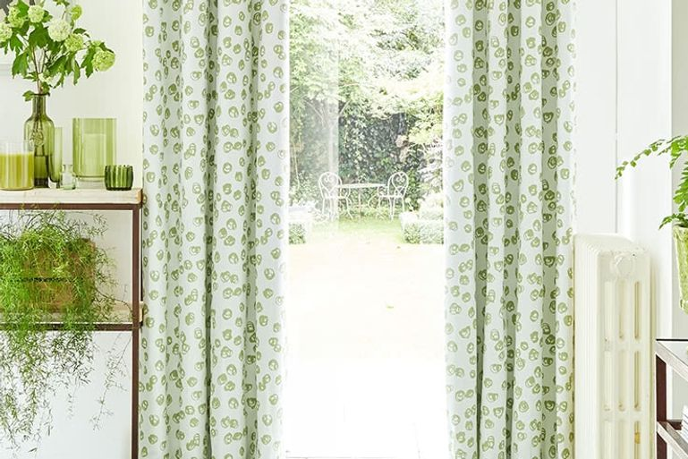 Green-Curtains-Kitchen_CONFETTI-ZEST