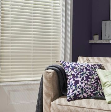 Bone-white-Venetian-blinds