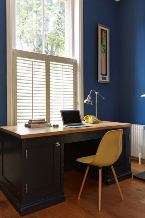 Café-style shutters in Extra White from the Craftwood range.