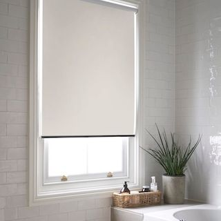 Costello pearl roller blind