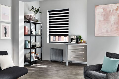 Enlight™ Roller Blind_Cascade Black_Living Room