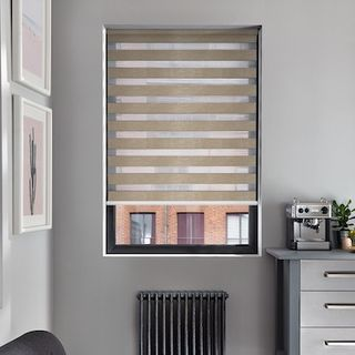 Enlight rattan roller blind