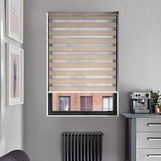 Enlight wicker roller blind