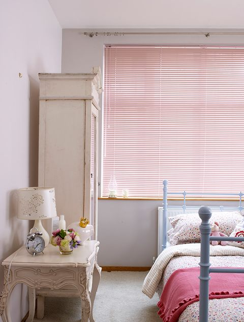 Pink-Venetian_Kids-Bedroom_Pretty-Pink 2