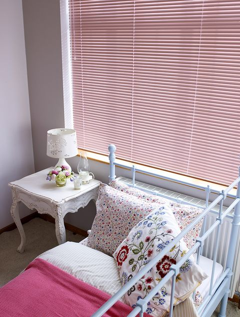 Pink-Venetian_Kids-Bedroom_Pretty-Pink