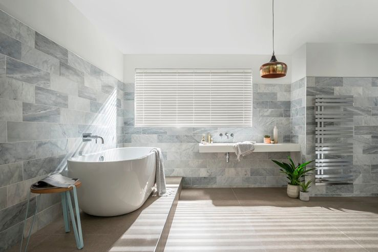 Best Wooden And Wood Look Blinds For Bathrooms