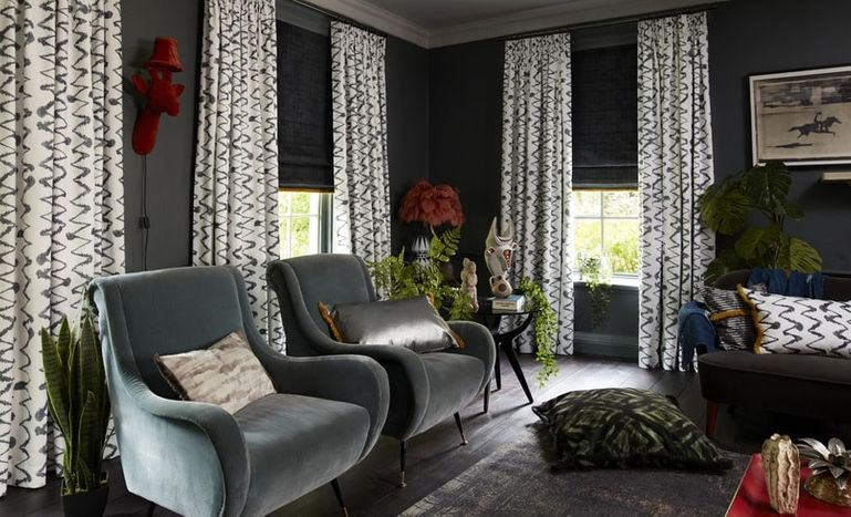 HIL_ABIGAILAHERN_LANDSCAPE_Wolfe-Smoulder_curtains_and_Cley-Mole_Roman_blinds_with_Colette-Soleil_fringing