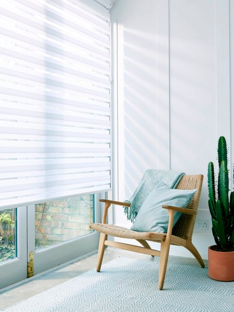 Diffuse White Enlight™ Roller blind