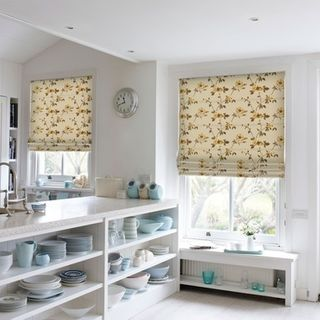 Roman Blind_Lambay Gold_Roomset