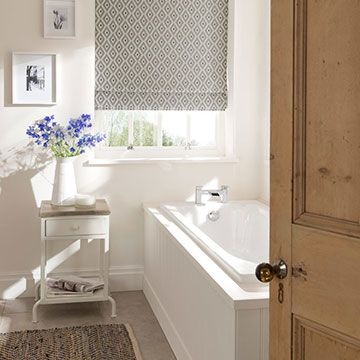 Roman Blind_Laverne Graphite_Bathroom