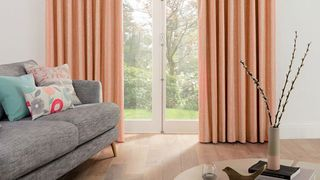 Pink-curtains---living-room-natur-lotta-papaya