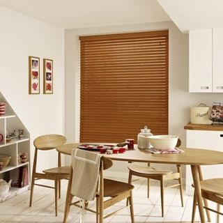 Wooden Blinds_Haywood Tamarind_Roomset