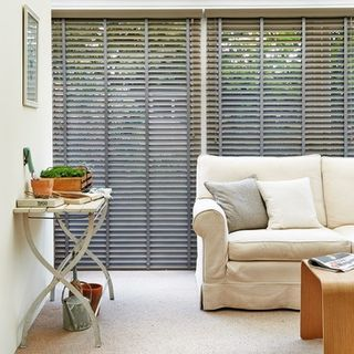 Wooden Blinds_Wood Illusions Beachwood_Roomset