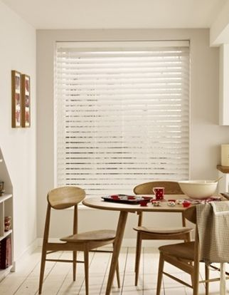 Wooden Blinds_Wood Illusions Pure White_Roomset