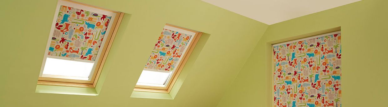 Funky child's bedroom with orange patterned skylight blind in Animals Orange material