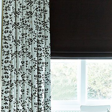 Roman Blind_Tetbury Black_with_Nova Black_Curtains_Dining Room