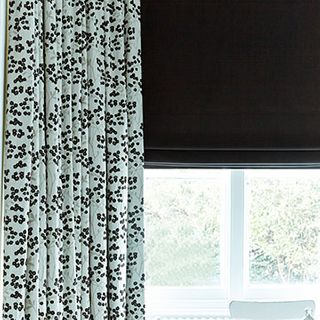 Roman-blind-Curtains-Tetbury-Black-Nova-Black-Dining-Room