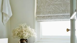 pattern-blackout-roman-blind-bathroom-bamboo-linen