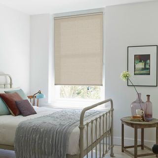 Roller Blind_Arie Cream_Roomset