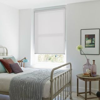 Roller Blind_Kelis White_Roomset