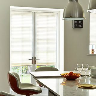 Pleated Blind_Bali Ivory_Roomset