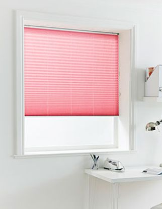 Pleated Blind_Crush Crimson_Roomset