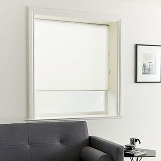 Pleated Blind_Crush Ice_Roomset