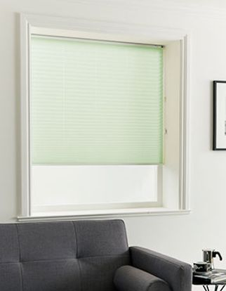 Pleated Blind_Crush Fern_Roomset