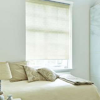 Pleated Blind_Geneva Beige_Roomset