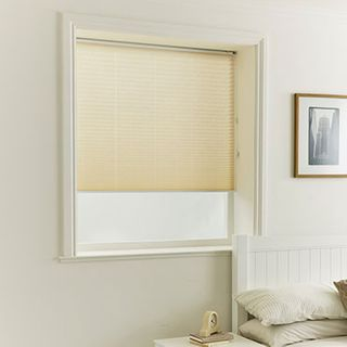 Pleated Blind_Hopscotch Vanilla_Roomset
