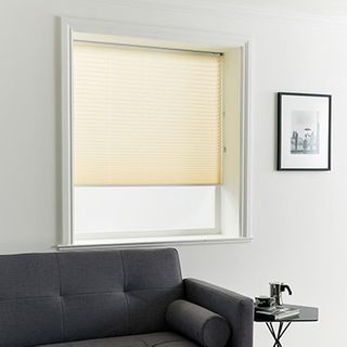 Pleated Blind_Kari Natural_Roomset