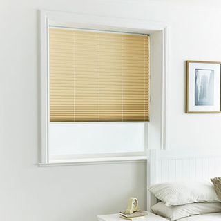 Pleated Blind_Lanbury Cream_Roomset