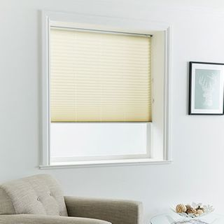 Pleated Blind_Mini Stripe Cream_Roomset